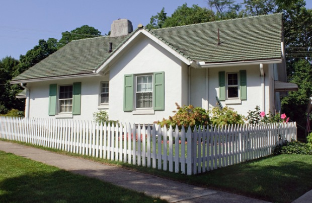 house w picket fence
